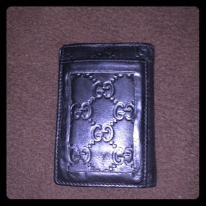 Authentic GUC Vintage Uni-sex Leather Wallet.